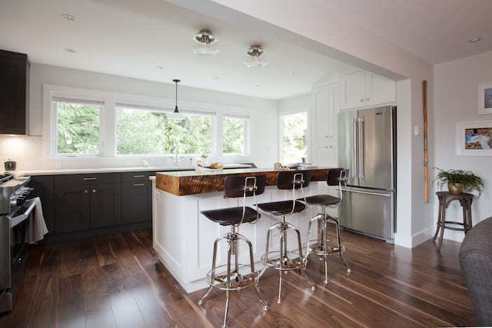 Love it or list it vancouver stephanie stephen for Kitchen cabinets vancouver island