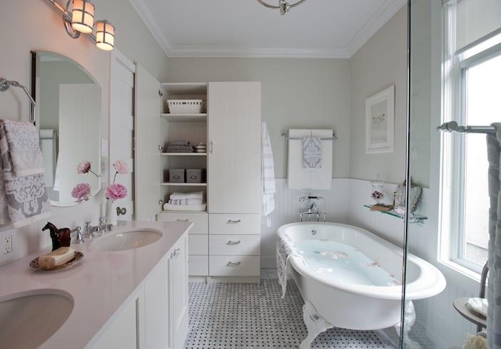 LOLV EP3060 - After - Main Bathroom 2