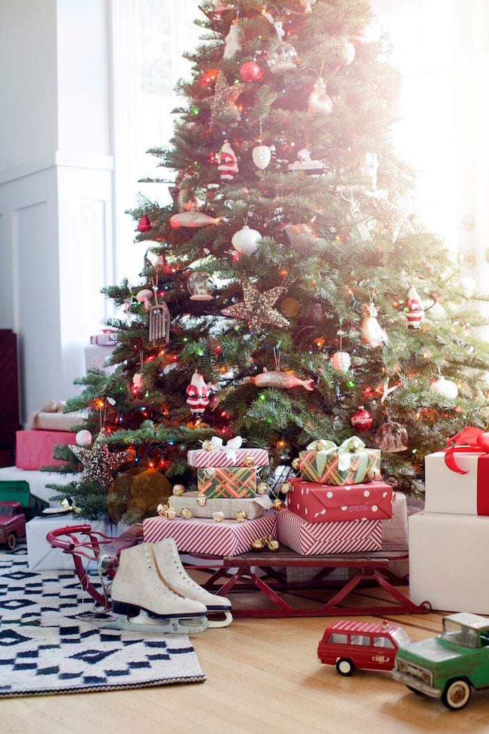 H4H_Wood House_Family Room Tree