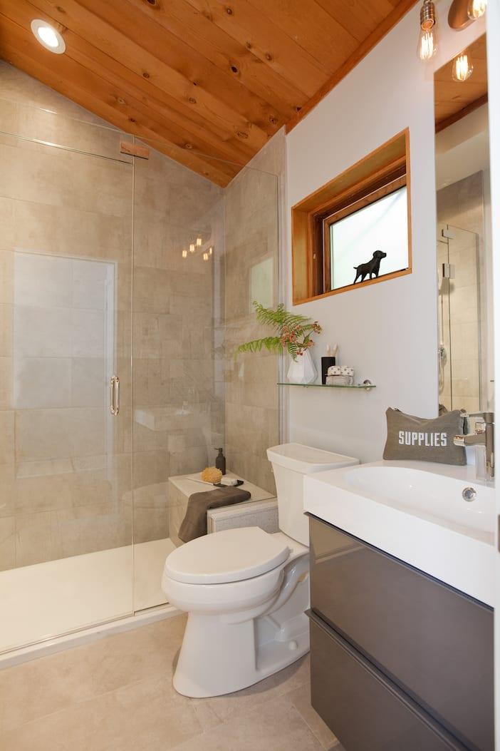 LOLV EP3067 - After - Bathroom 1