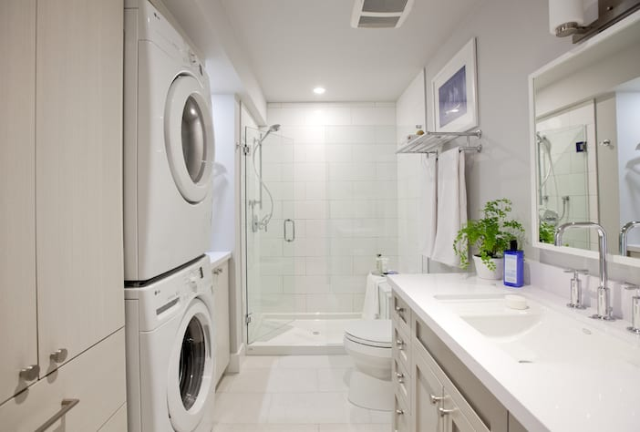 Love It Or List It Vancouver - LOLV EP3073 - After - 2nd Bathroom 1