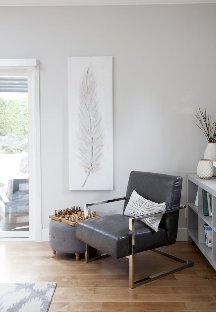 Love It Or List It Vancouver - LOLV EP3076 - Detail - Family Room 1