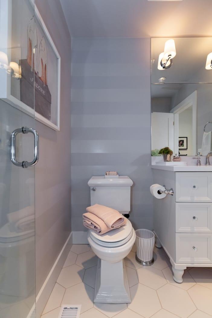 LOLV EP3078 - After - Girls' Bathroom 2