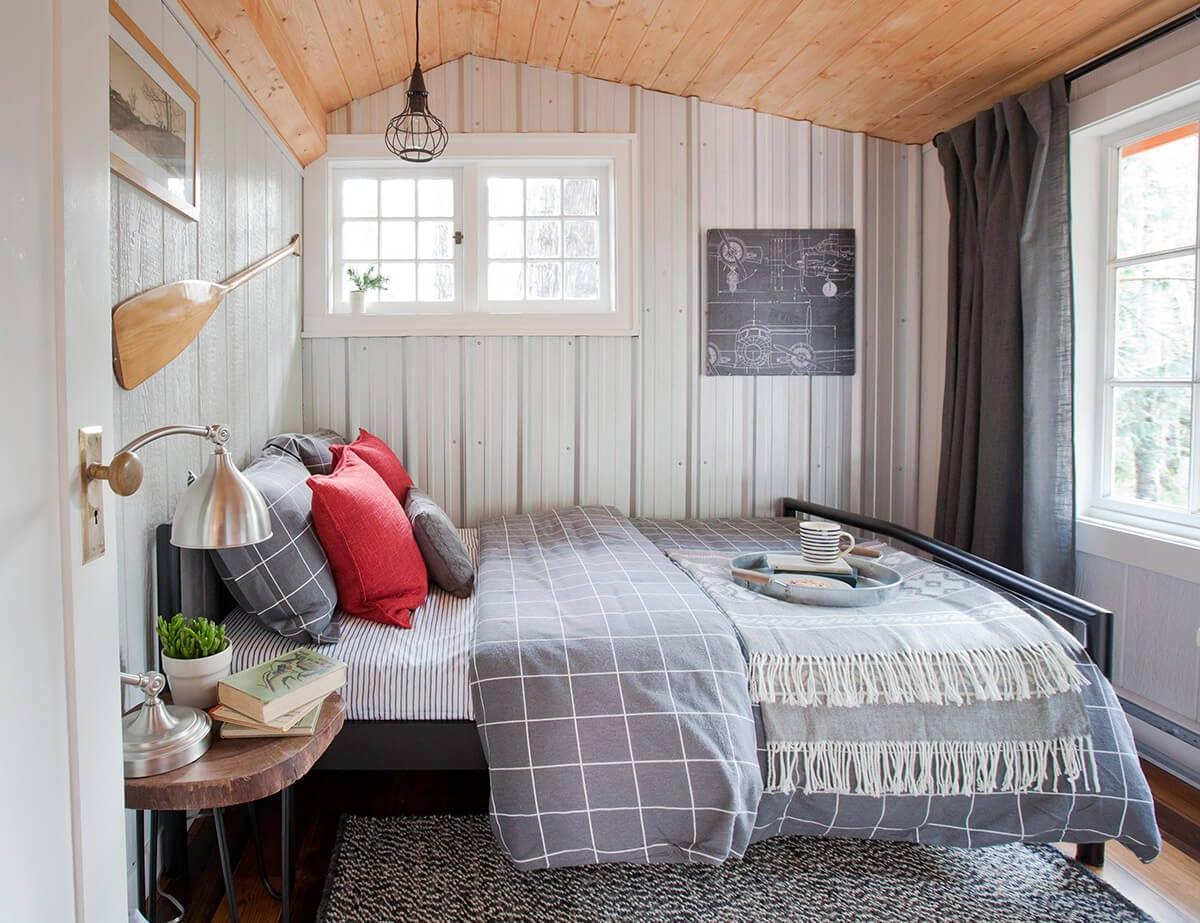 LOLVH-EP110 Son's Bedroom Hornby Island Cabin