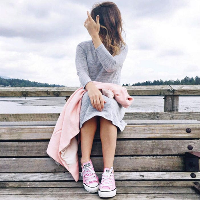 Jillian-Harris-wearing-grey-dress-and-pink-converse