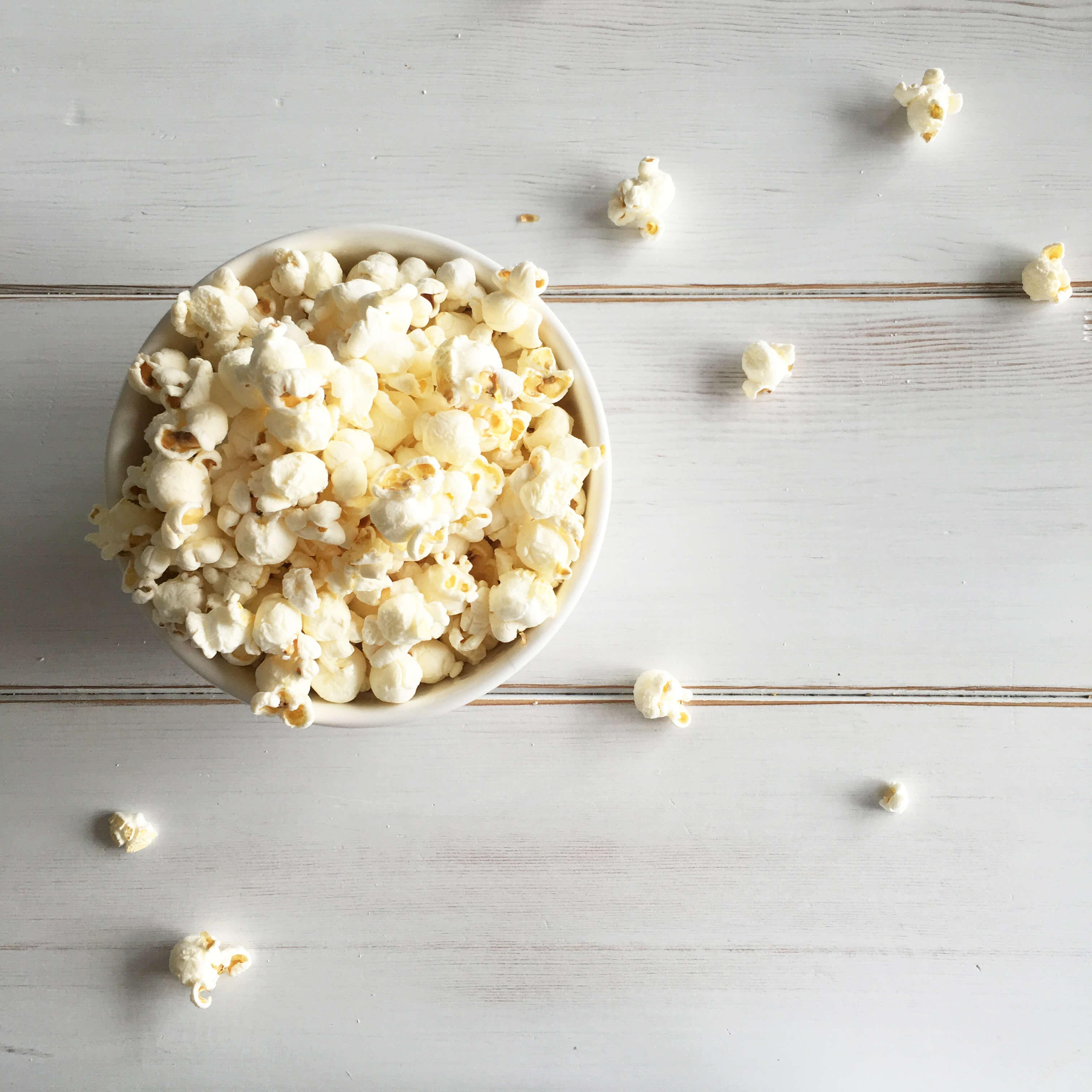 Jillian-Harris-Eating-Smart-Pop-Popcorn-12