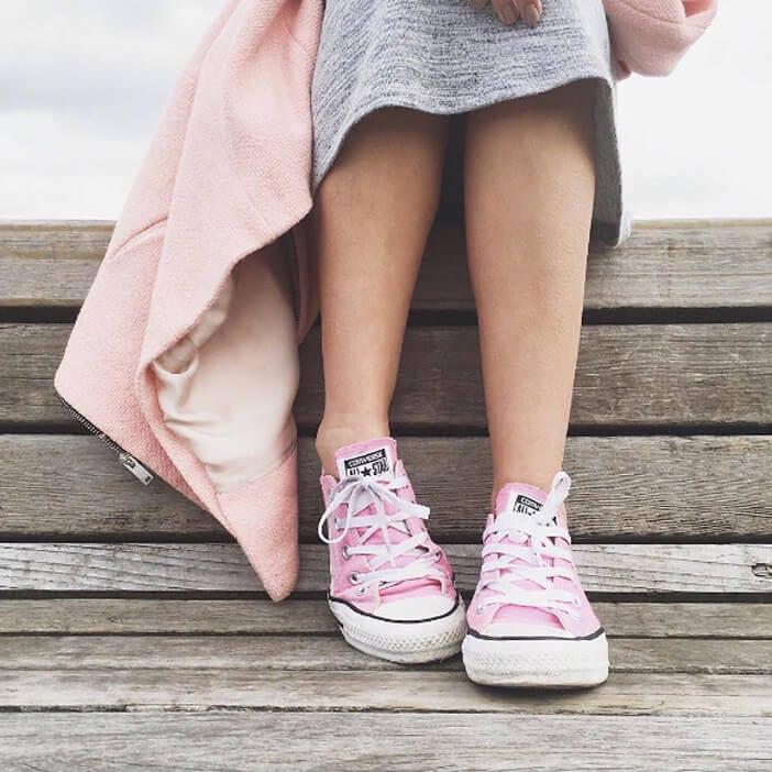 Jillian-Harris-pink-converse