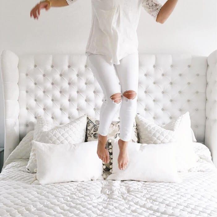 Jillian-Harris-white-ripped-jeans