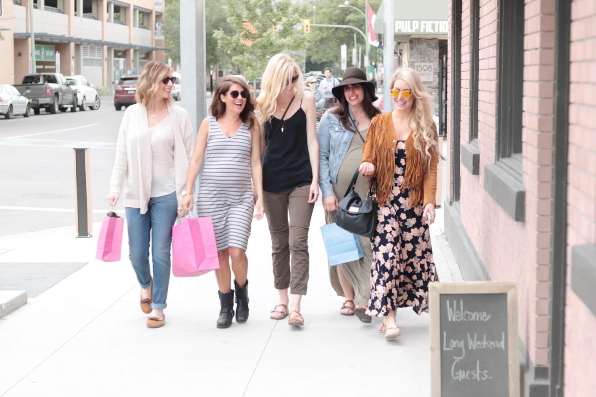 jillian harris and friends walking down street in joe fresh