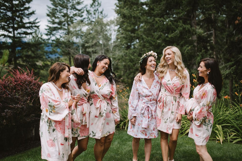 GIRLS-IN-THE-ROBES