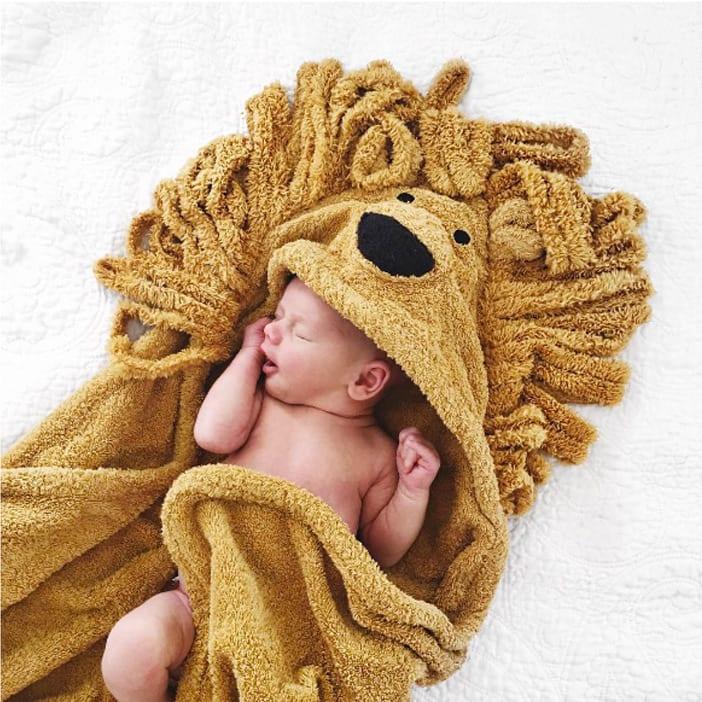 Leo-Lion-Sleeping-Towel