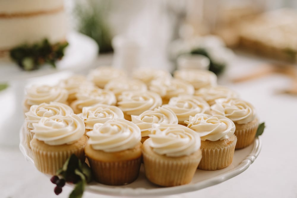 cupcakes-on-tray