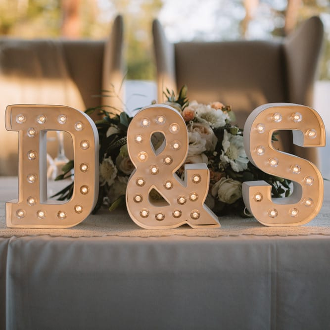 head-table-sign