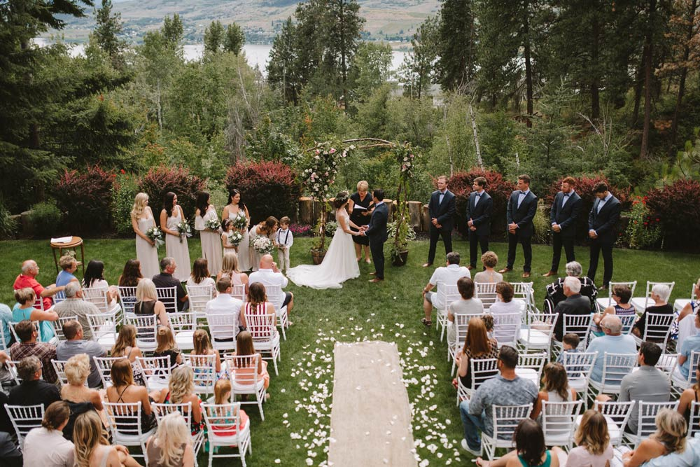 Backup Plans For Your Outdoor Wedding: Backyard Wedding Decor In 8 Budget Friendly Steps