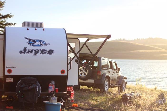 jayco-hummingbird-trailer-sunset