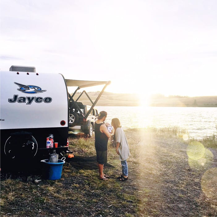 jayco-camping-with-family