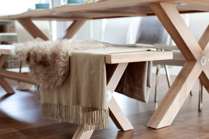 lolv-ep4080-detail-dining-room-table-8