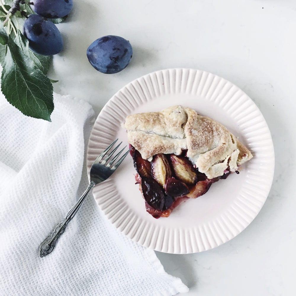 piec-of-plum-galette-fraiche-nutrition