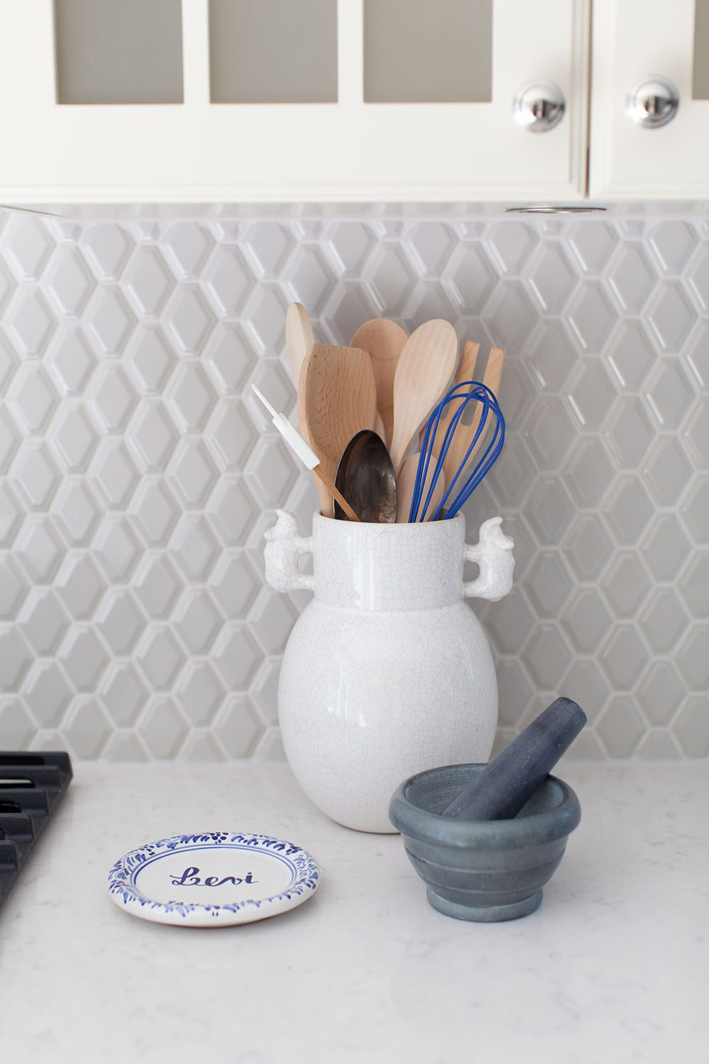 love-it-or-list-it-kitchen-backsplash