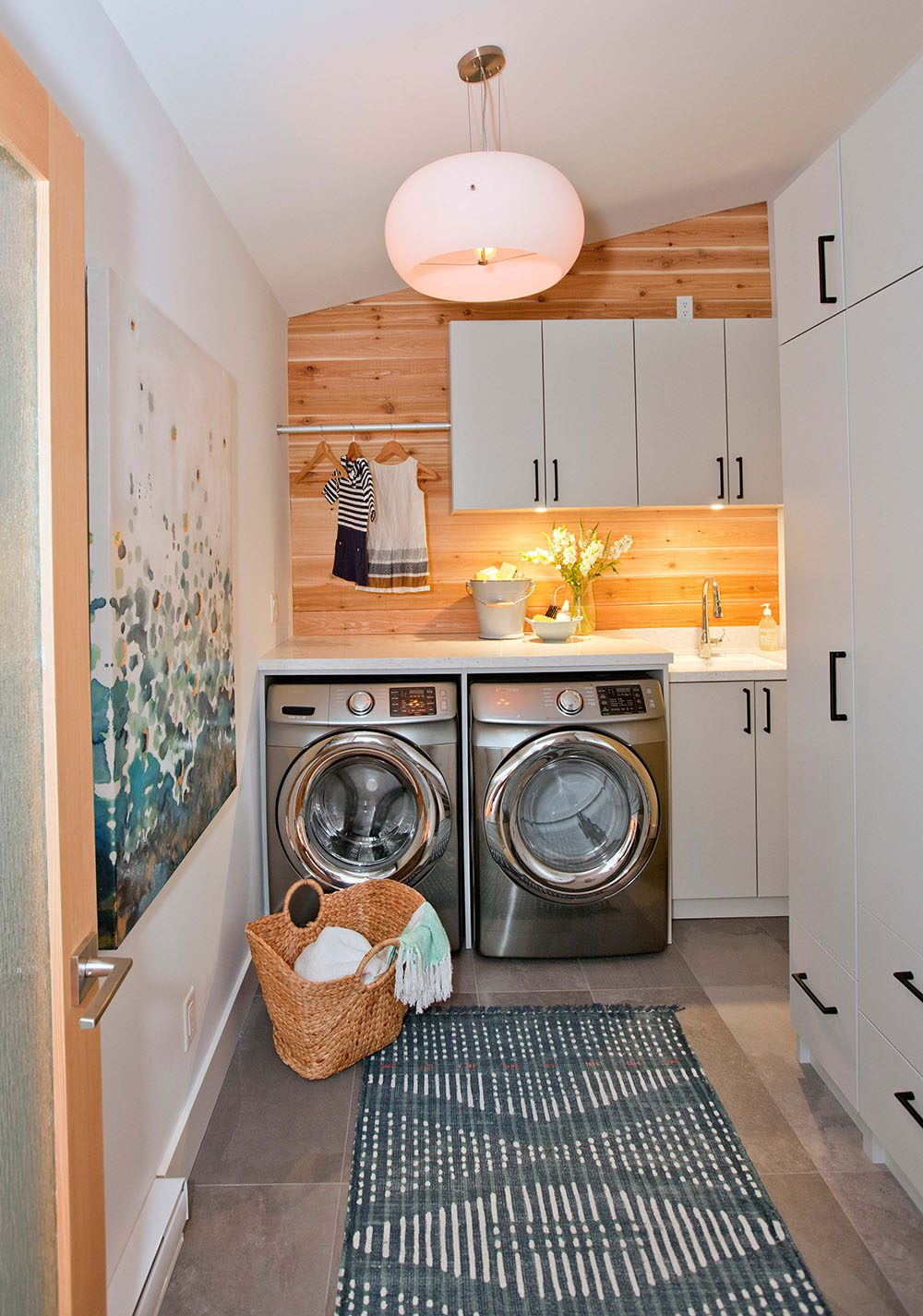 love-it-or-list-it-laundry-room-and-mudroom