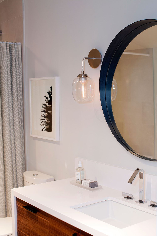 love-it-or-list-it-main-bathroom