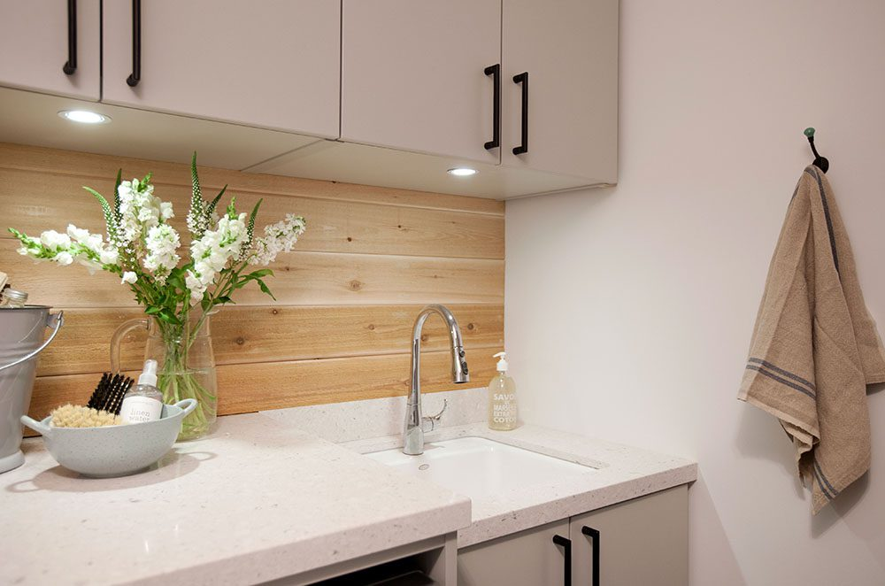 love-it-or-list-it-vancouver-laundry-room-mudroom