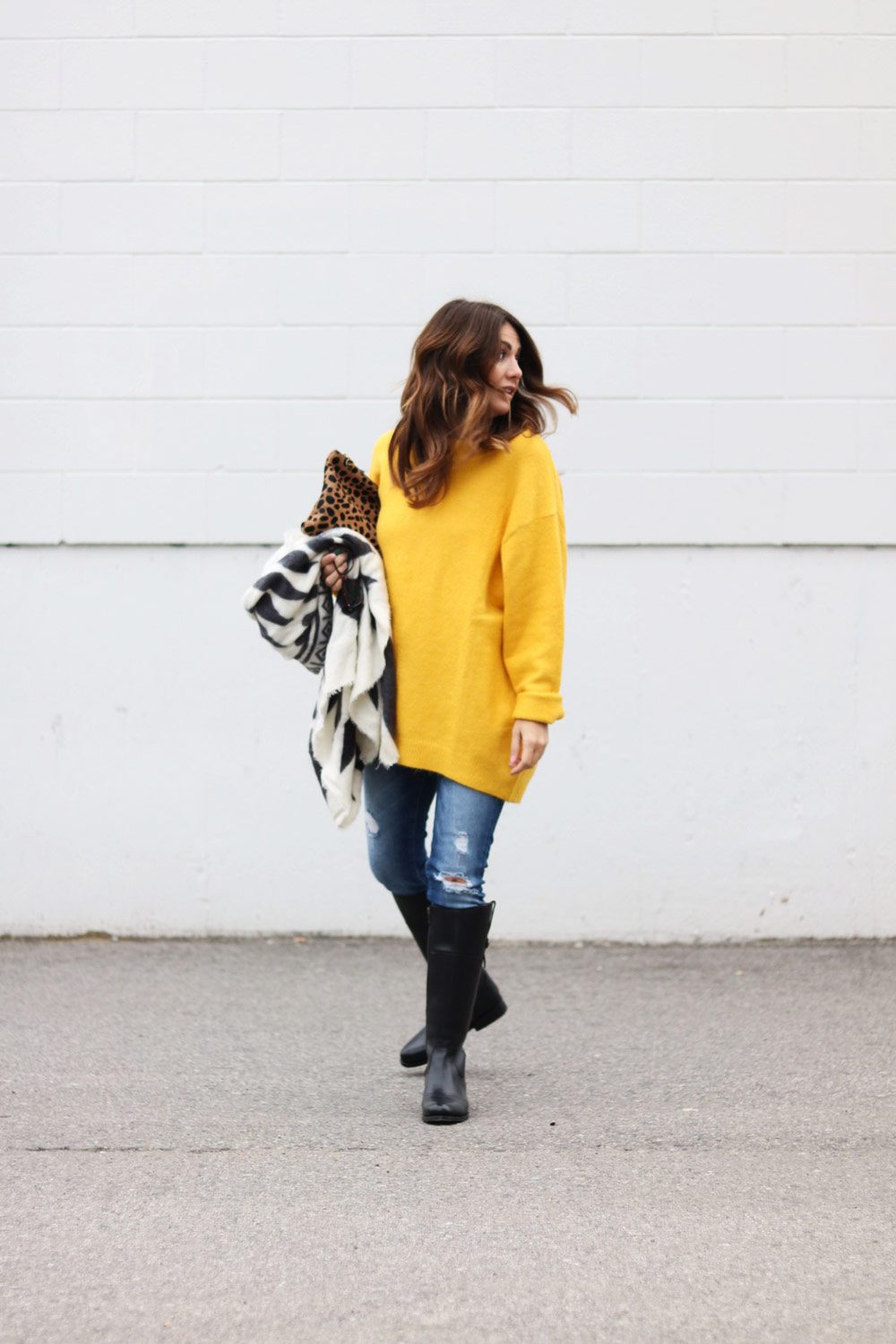 yellow-zara-sweater-and-jeans