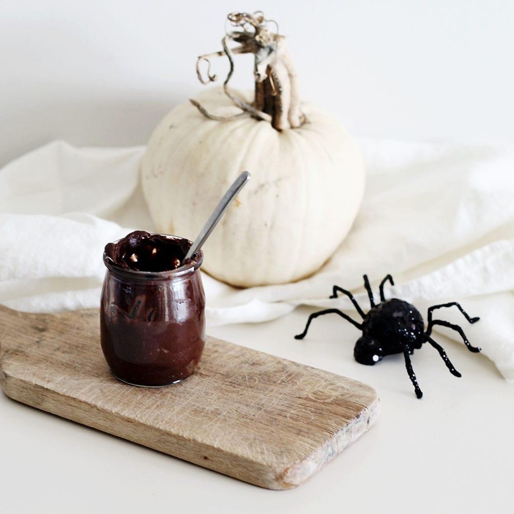 halloween-dessert-chocolate-avocado-vegan-pudding