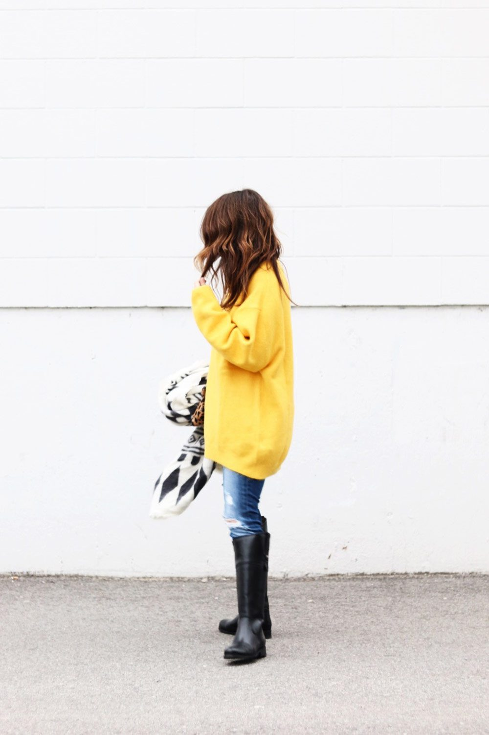 yellow-sweater-outfit-for-fall