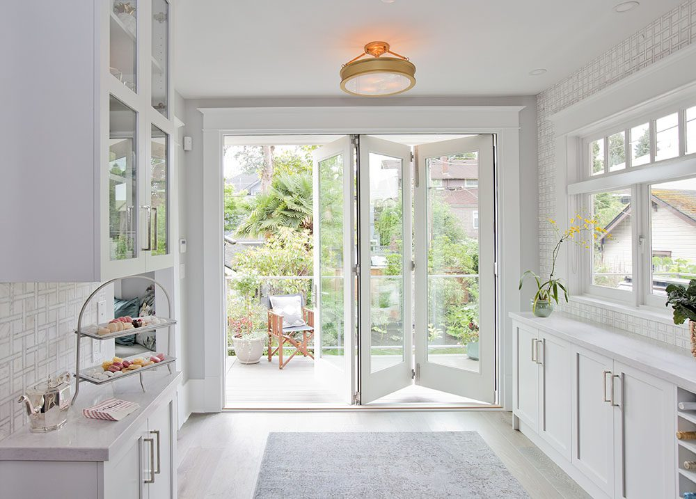 love-it-or-list-it-vancouver-folding-doors-dining-room