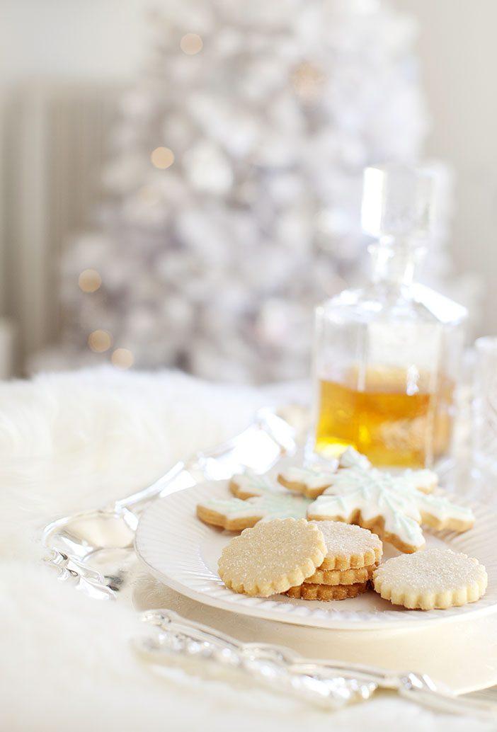 jillian-harris-christmas-cookies-decor
