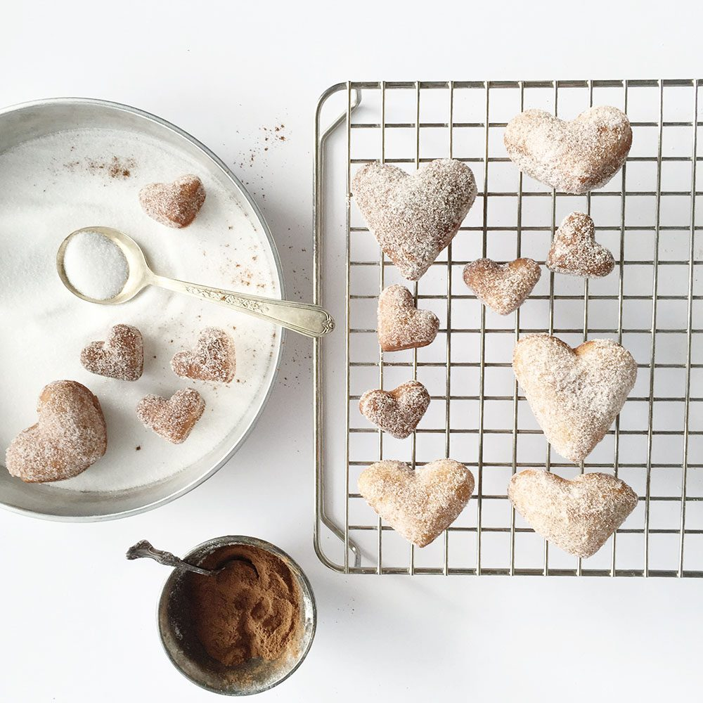 jillian-harris-vegan-heart-cake-donuts