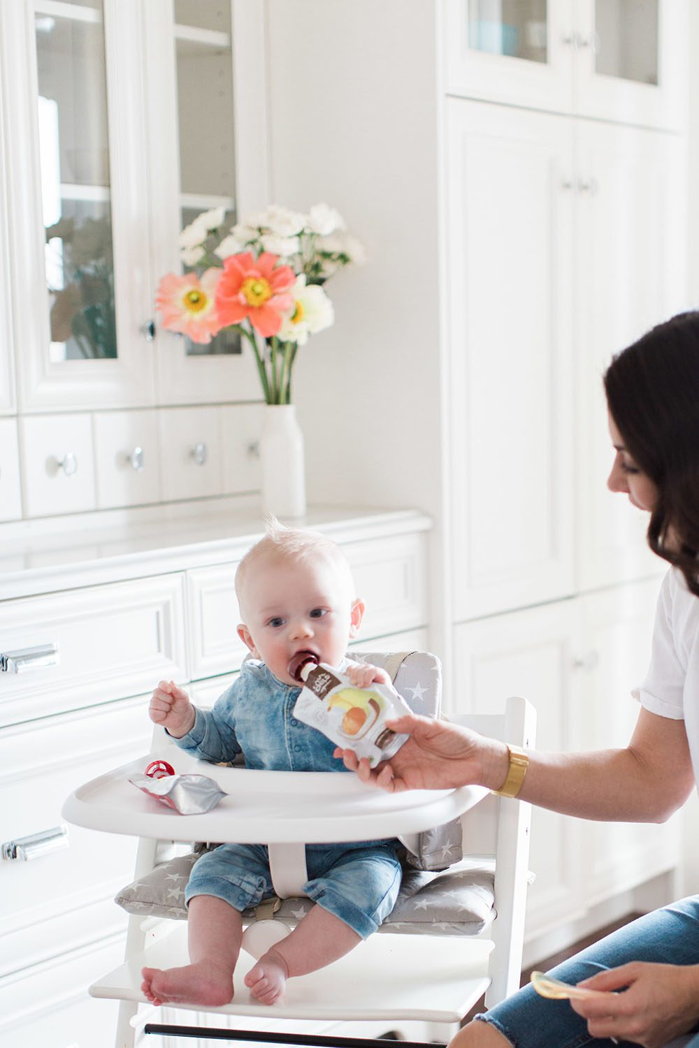 Jillian Harris - Leo Eating Solids-2