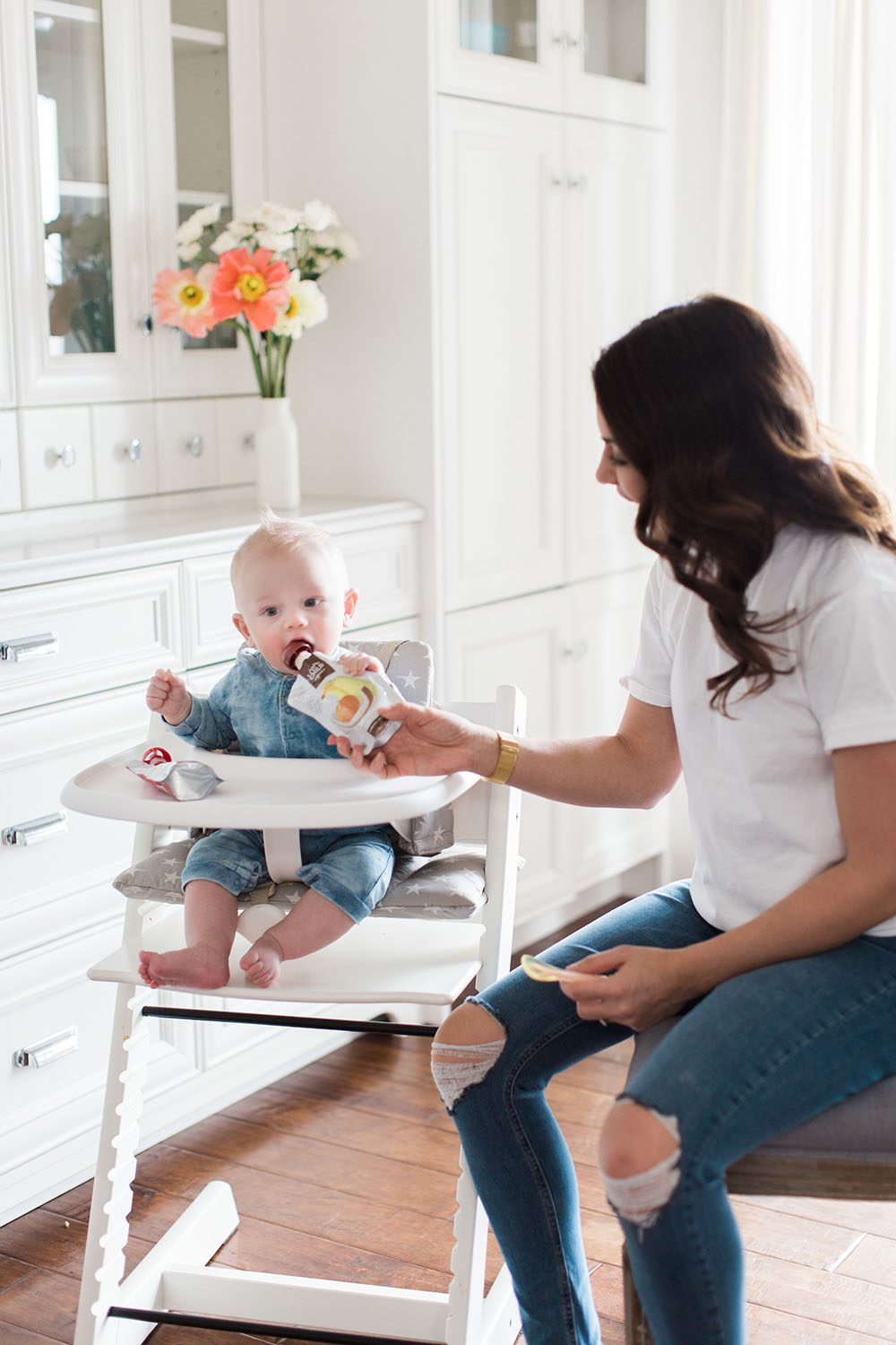 Jillian Harris - Leo Eating Solids-3