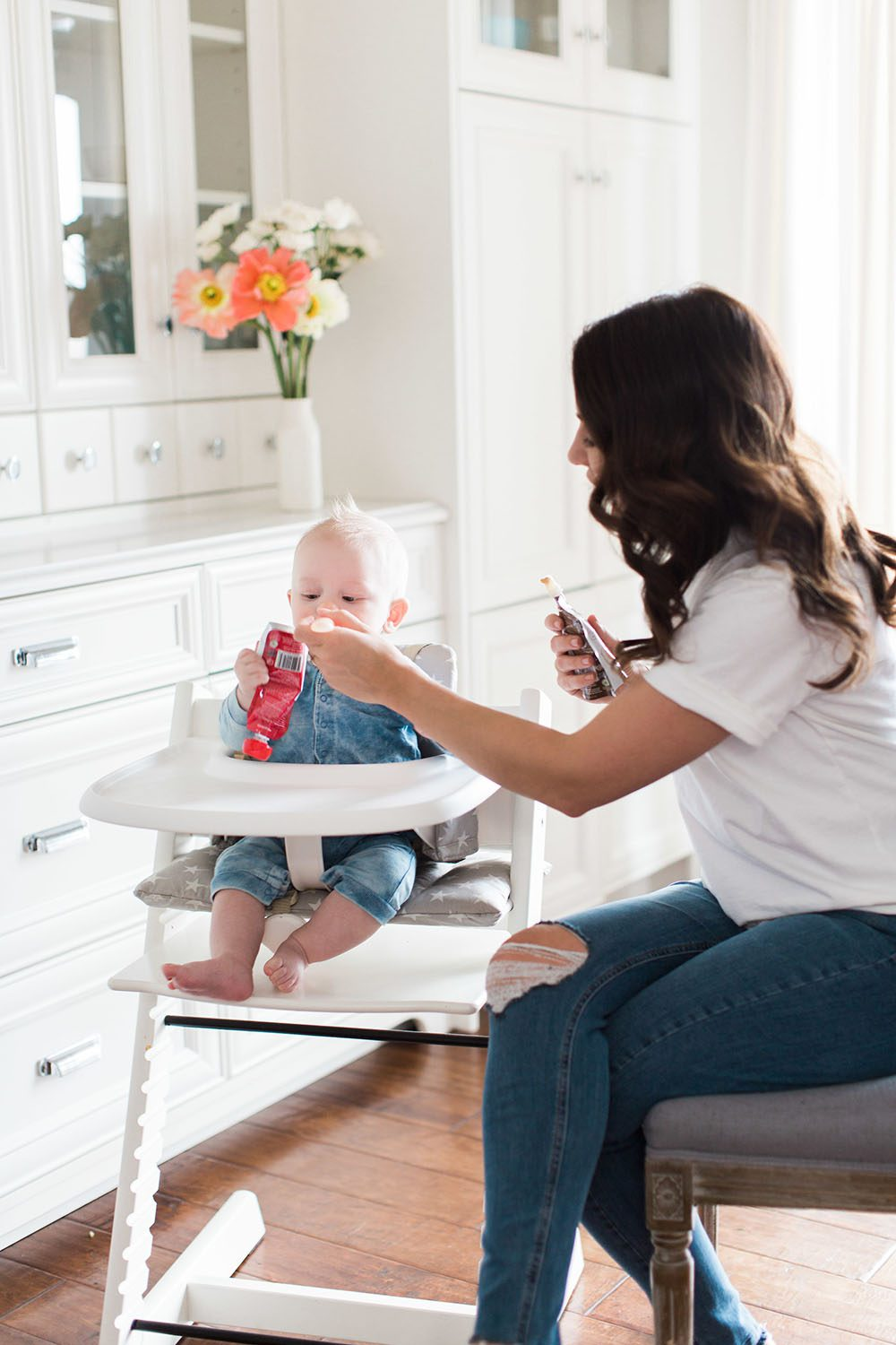 Jillian Harris - Leo Eating Solids-4