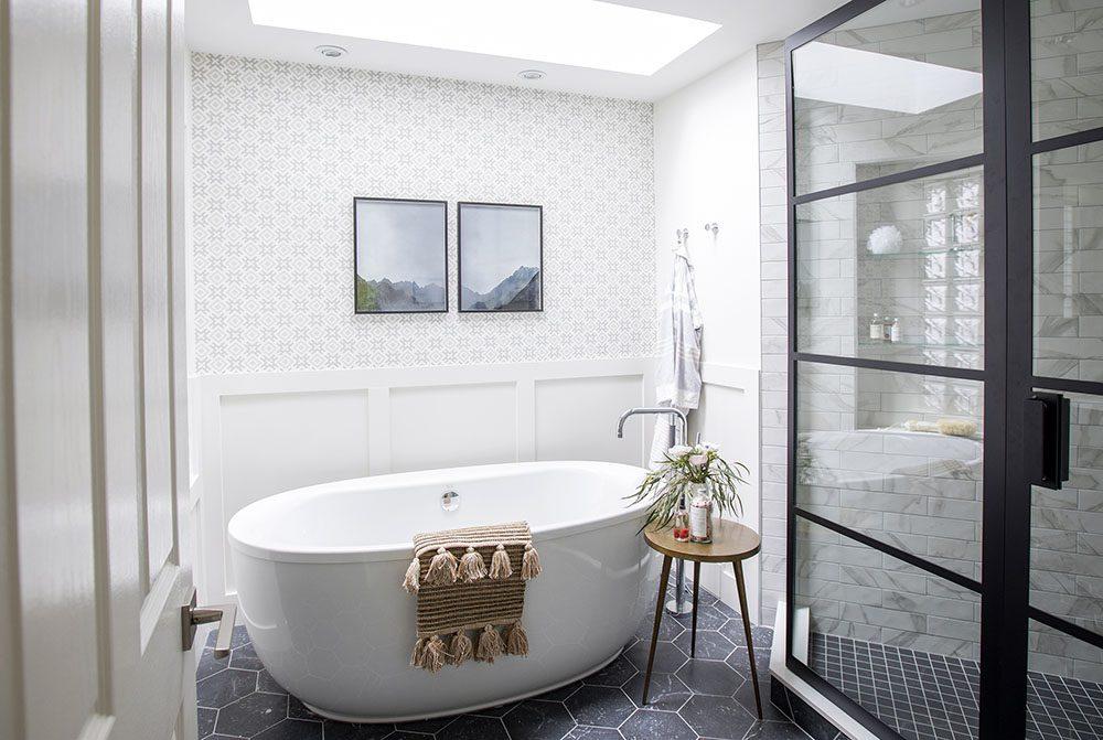 Love it or list it vancouver gail mike jillian harris for Bathroom design vancouver