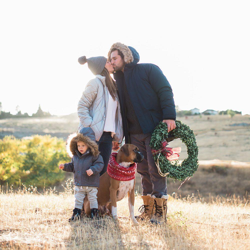 Jillian Harris Family Holiday Photoshoot