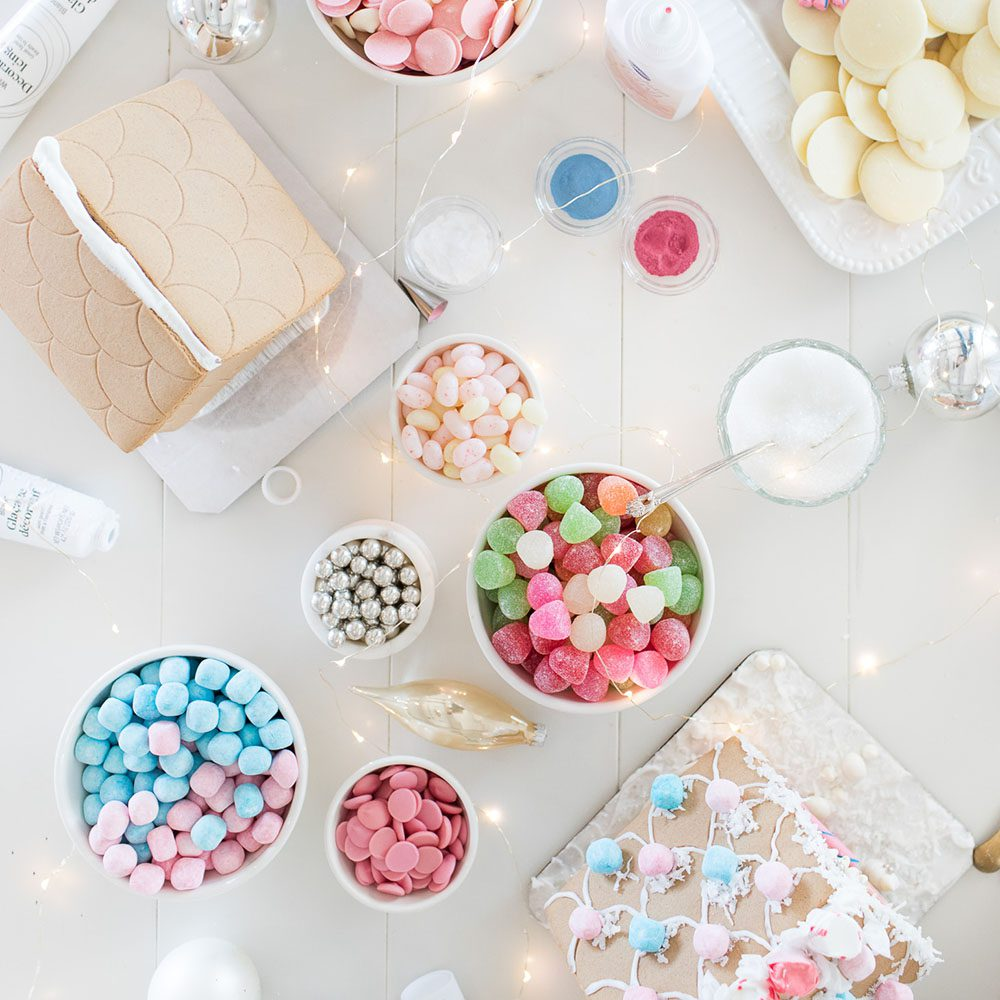 10 Gingerbread House Decorating Tips