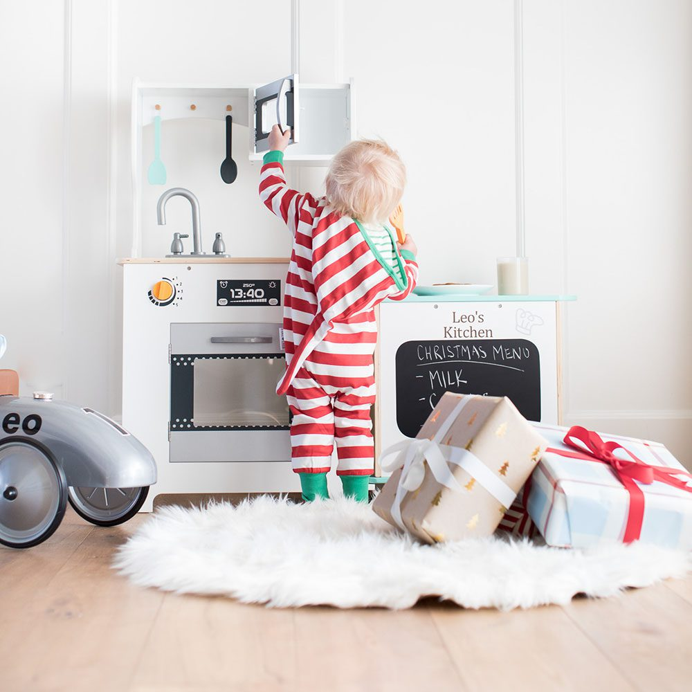 The Magic of Playtime: 5 Timeless Gift Ideas for Your Toddler