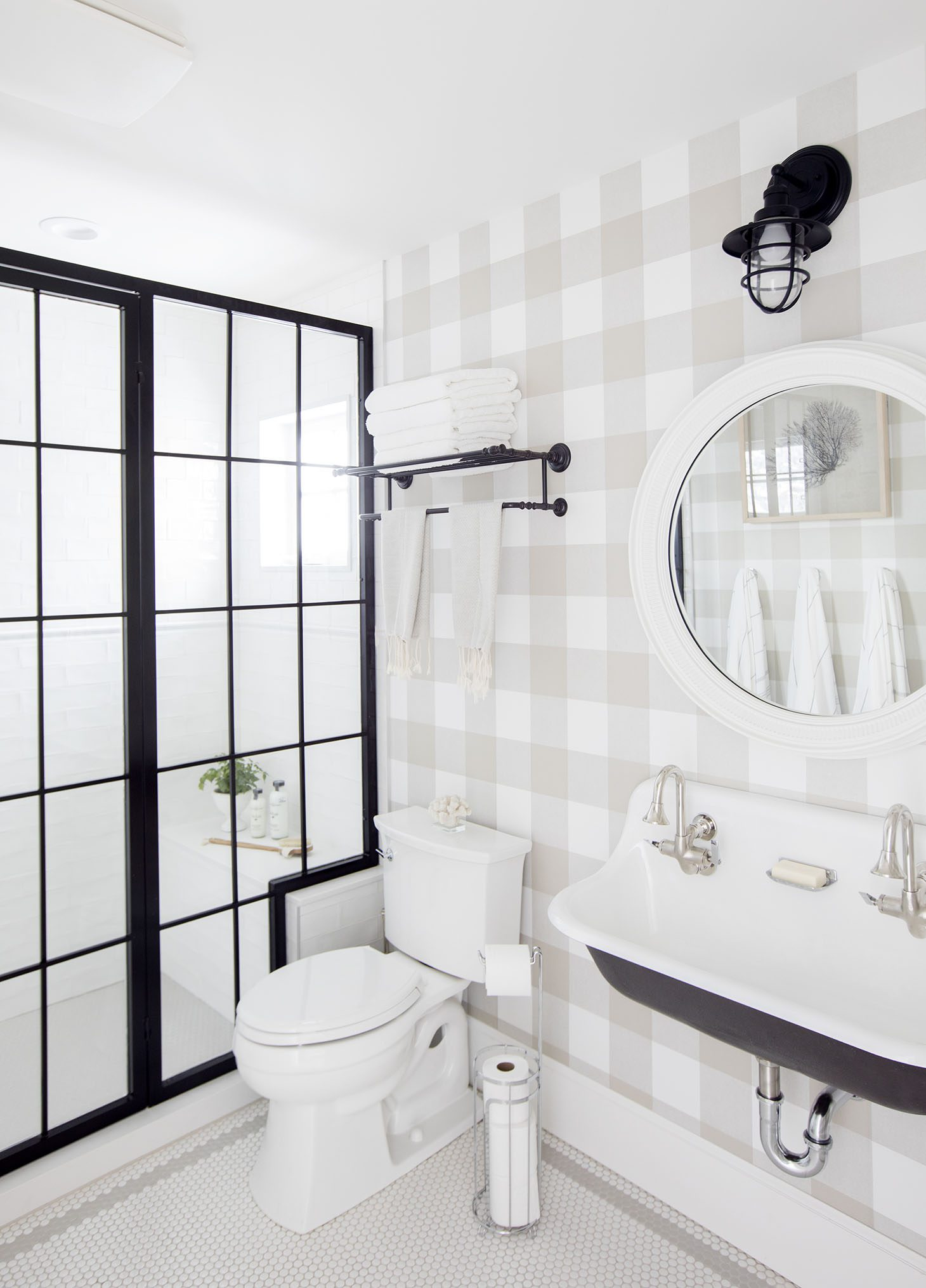 Jillian Harris Spare Bathroom