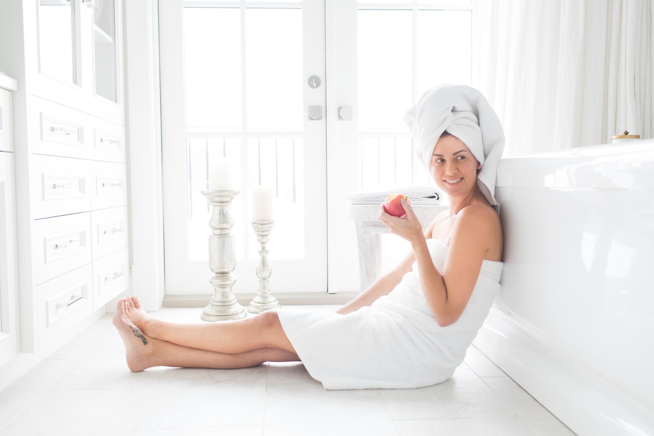Jillian Harris Avalon Organics Apple Cider Shampoo and Conditioner-1