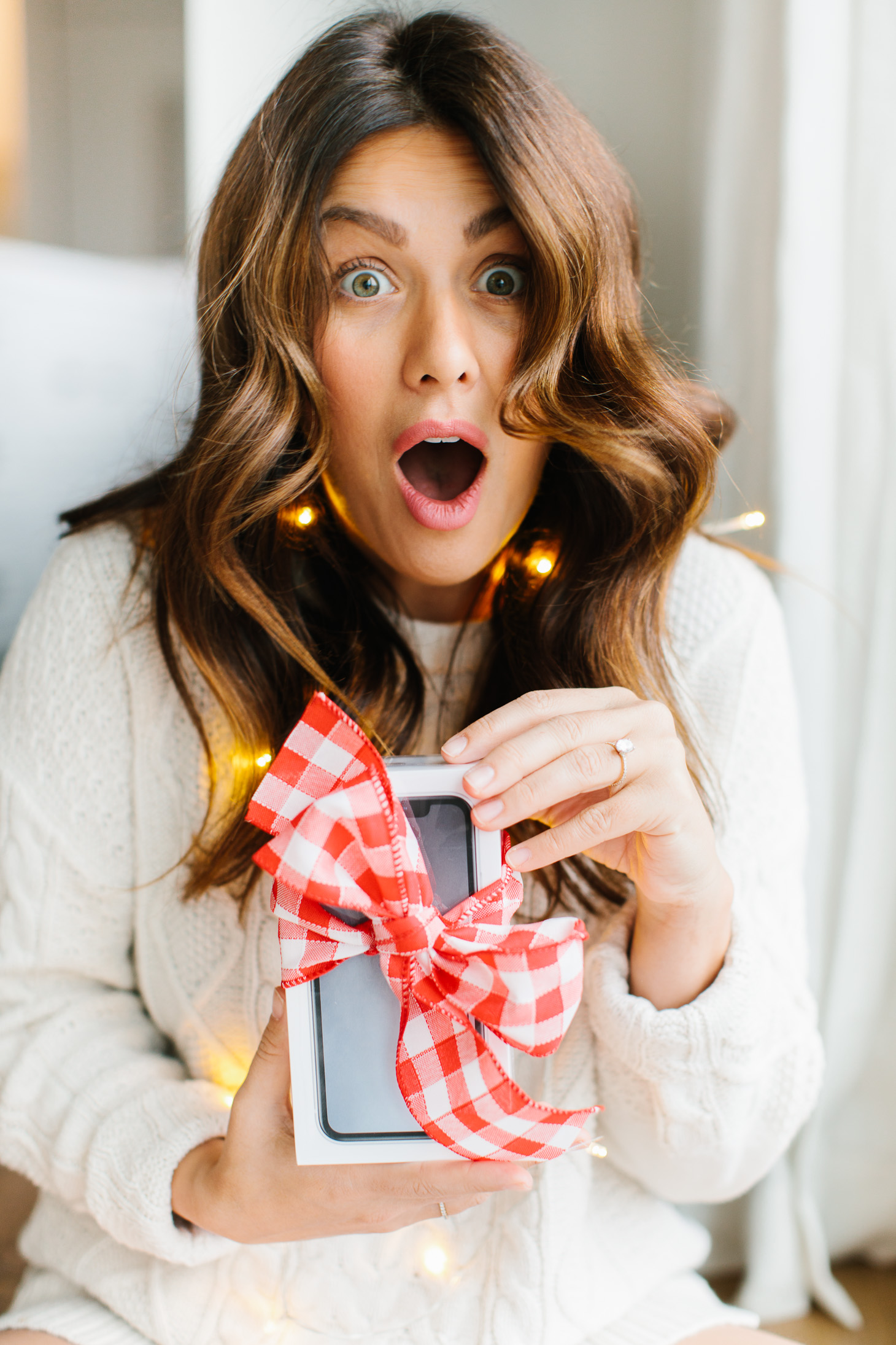 Jillian Harris 12 Days of Christmas Telus iPhone