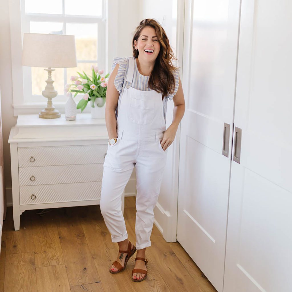 c876798ee7411 3 Easy Ways to Rock Overalls this Summer