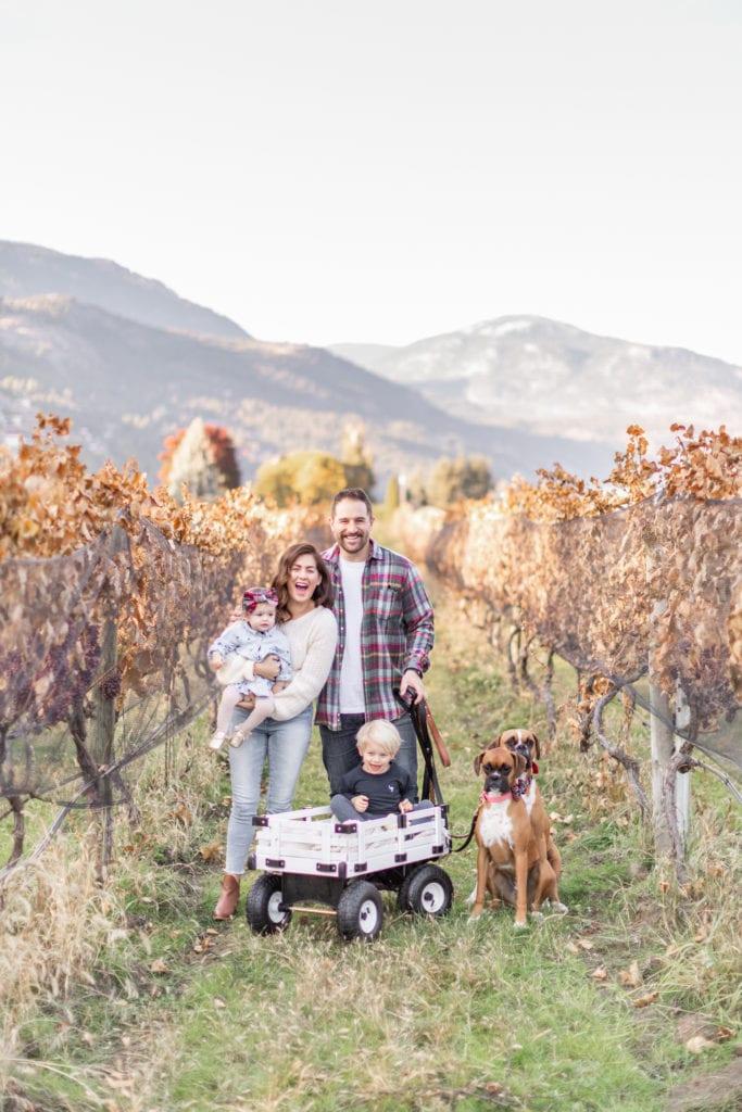 Thanksgiving family photo idea