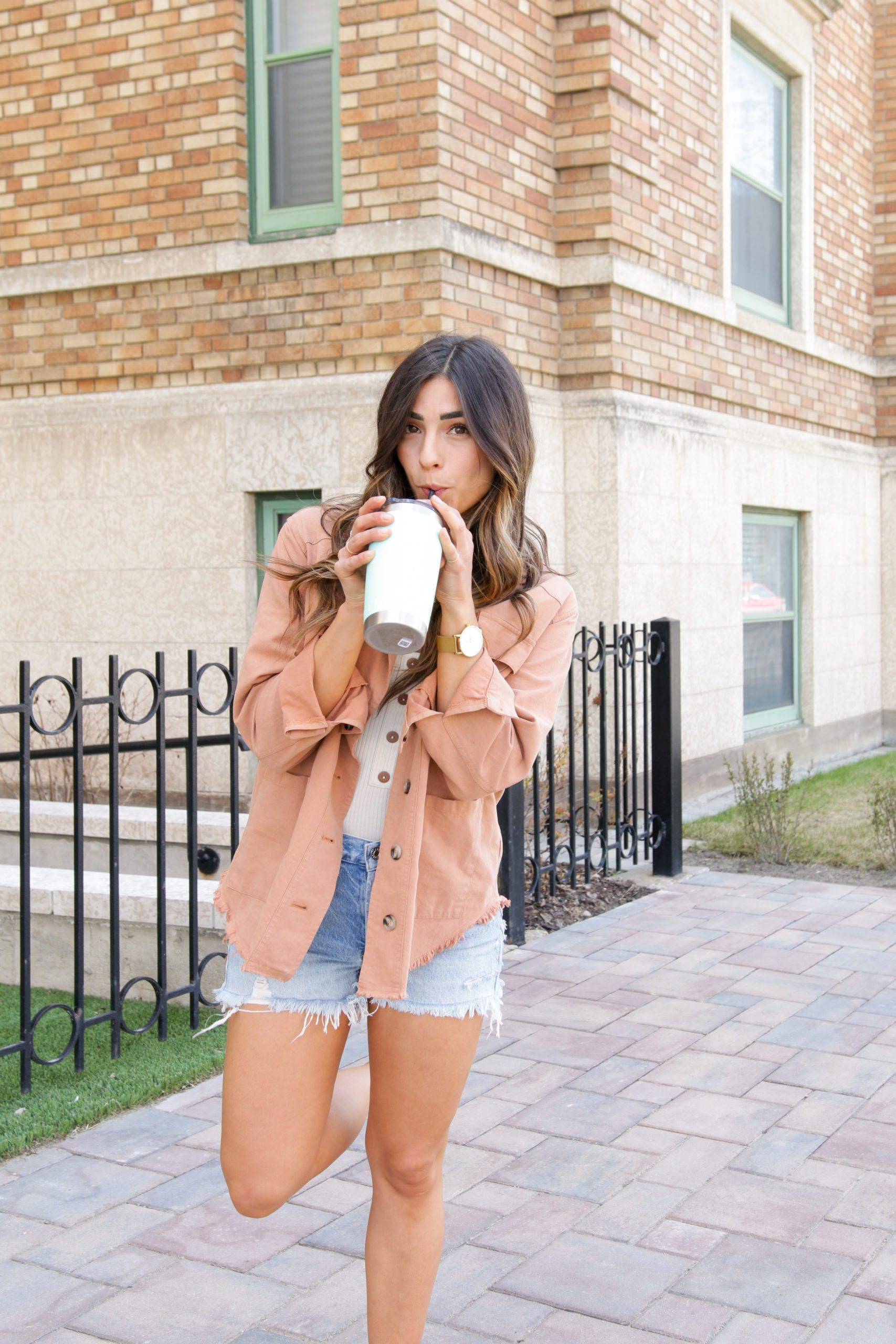 How to wear a spring jacket