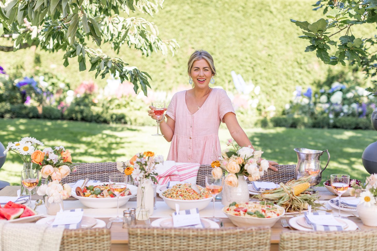 The Best Summer Dinner Tablescape