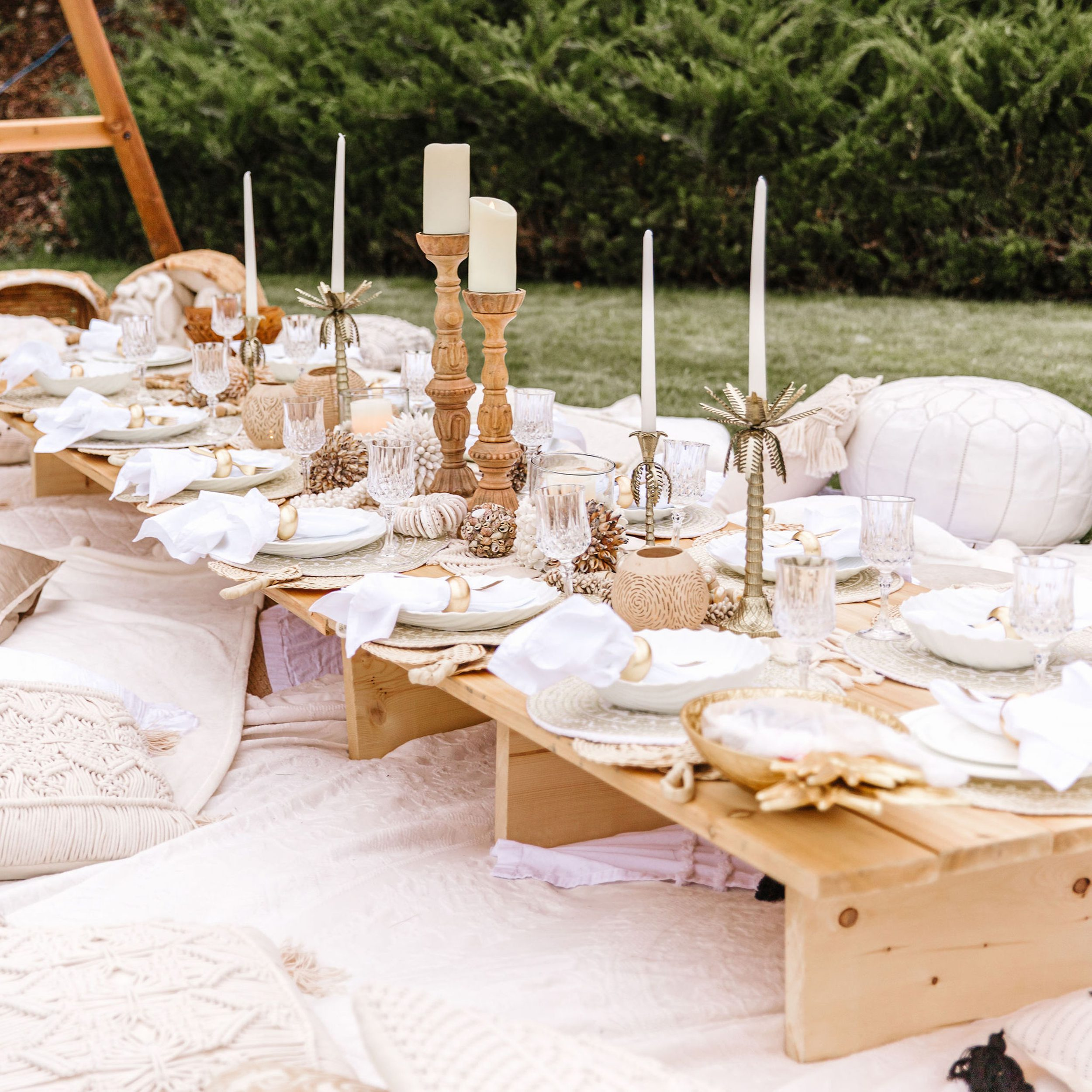 How to plan an intimate outdoor picnic