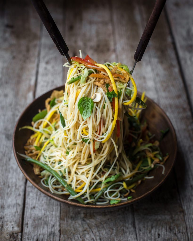 Delicious and Easy Vermicelli Noodle Salad