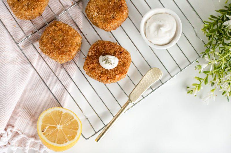 Vegan Jackfruit Crab Cakes with a Lemon & Dill Aioli