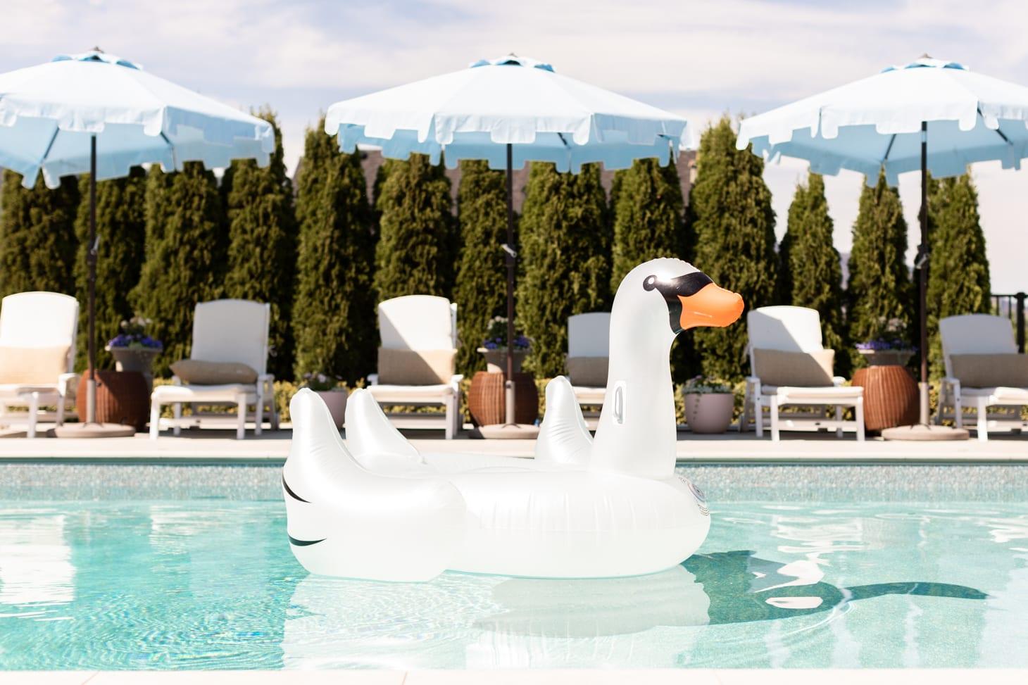 Jillian Harris Favourite Summer Pool Float Essentials